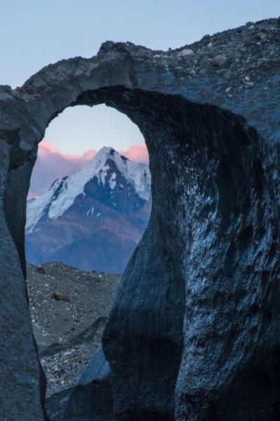 Ледяная арка на Иныльчеке
