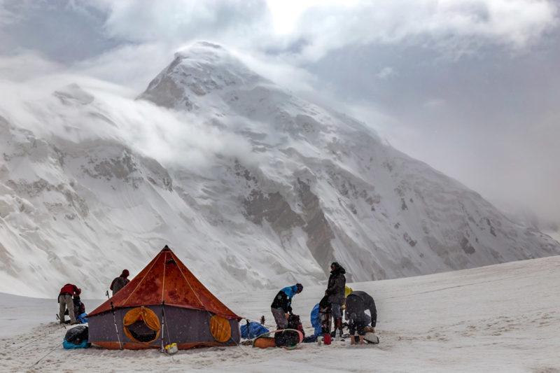 Лагерь на леднике Комсомолец