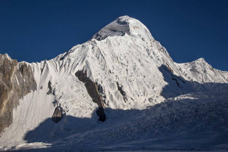Хан-Тенгри и ледник Разорванный