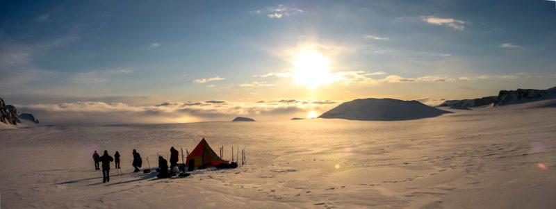 Лагерь на плато Ломоносова