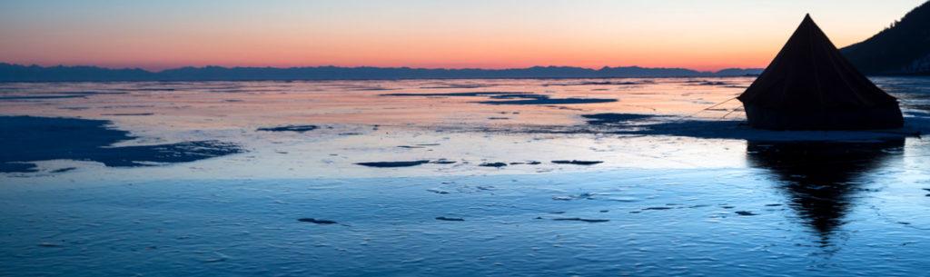 Ночевка на льду Байкала