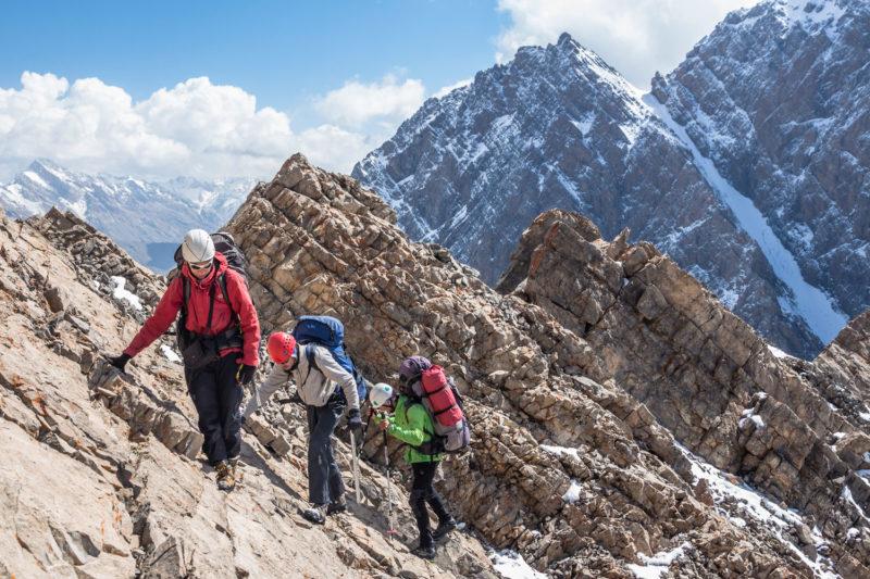 Подъем на перевал Седло Сарышаха