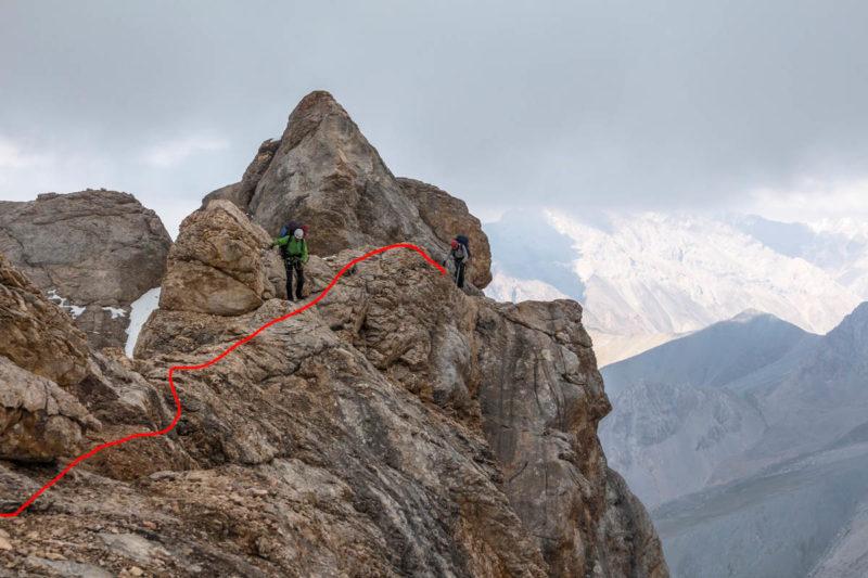 Скальный гребень выше в. Темиртау (4260)