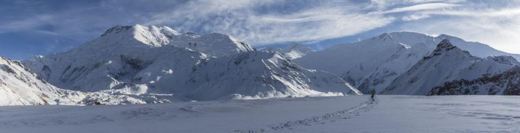 Прокладываем лыжню через Луковую поляну