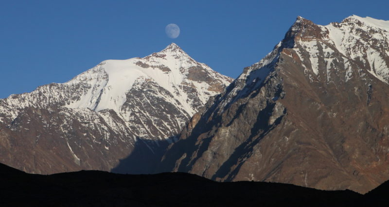 Луна над пиком Советский Таджикистан (6116)