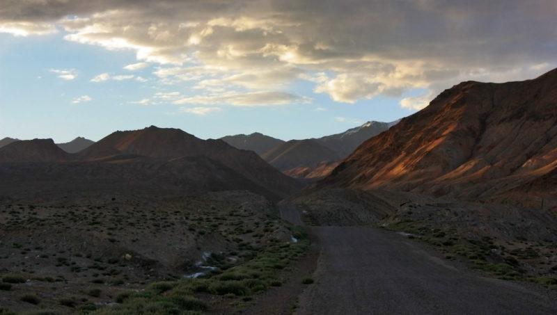 Памирский тракт в районе Мургаба