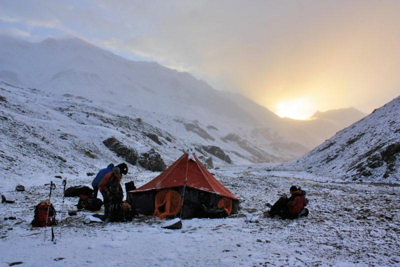 Снежное утро в долине реки Сасыксу