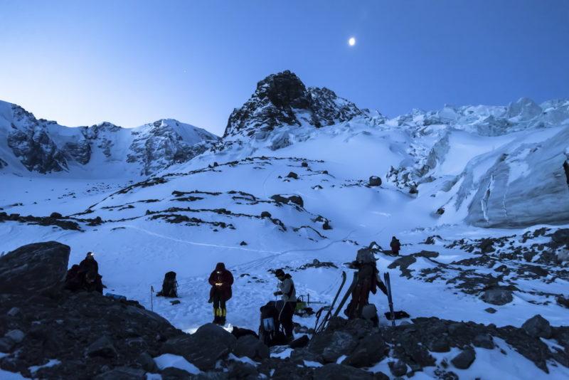 Обход ледопада Софийского ледника