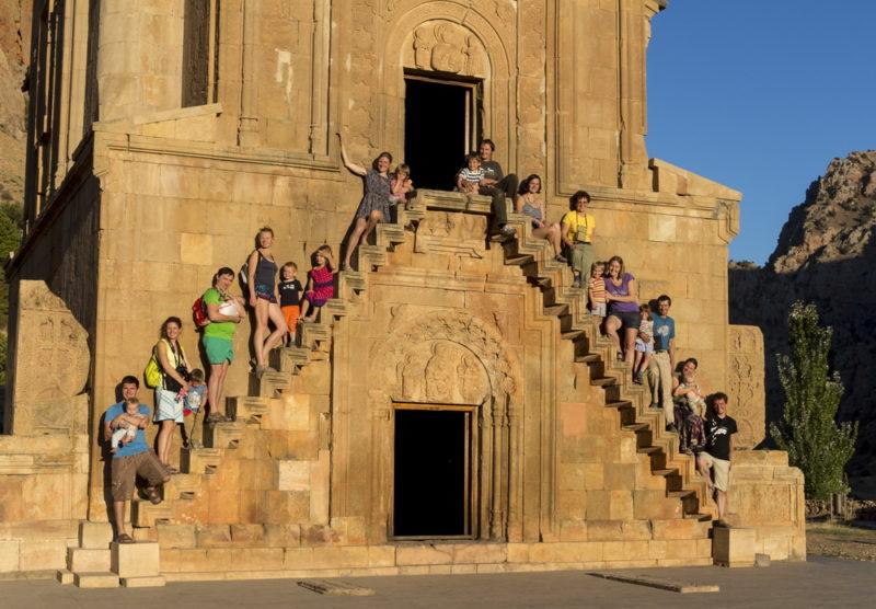 Групповое фото на ступенях Нораванка