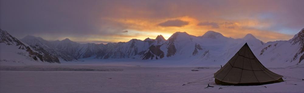 На леднике Грум-Гржимайло