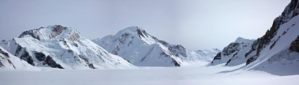 Верховья ледника Федченко. Пики Революции и 26 Бакинских комиссаров