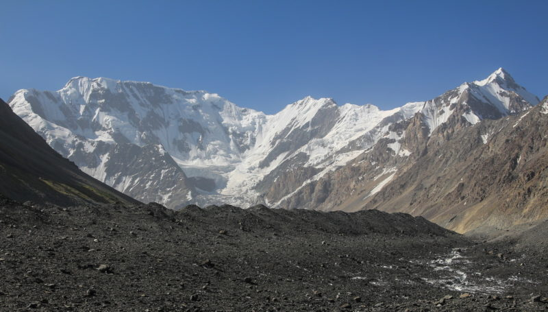 Ледник Сугран и пик Липского (5628)