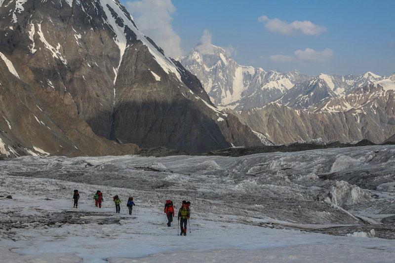 Вверх по леднику Сугран