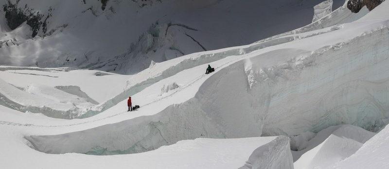 Связка в ледопаде на Памире