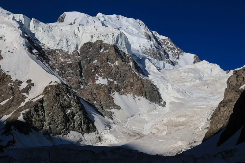Верхние ступени ледопада Шагазы