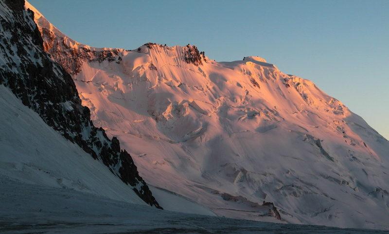 Перевал Наблюдений с ледника Шини-Бини
