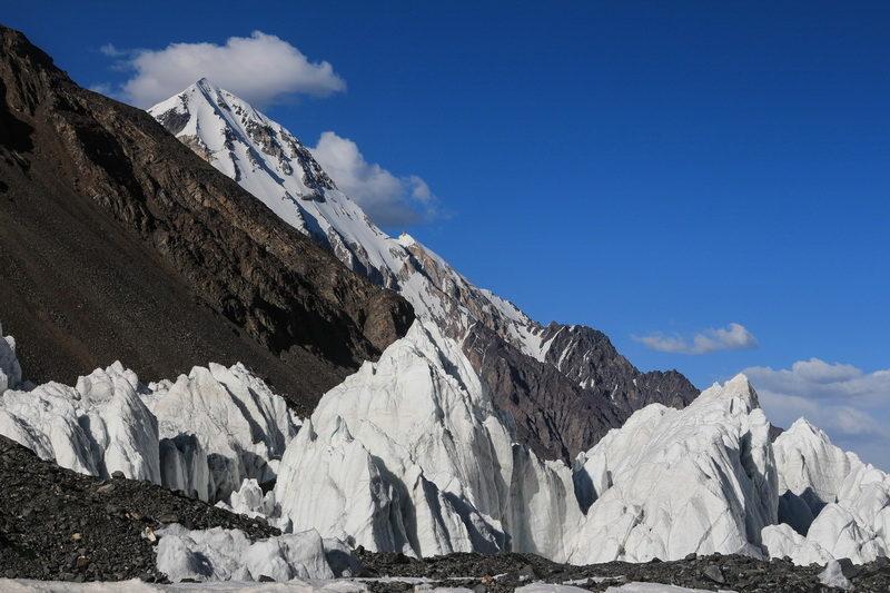 На леднике Ошанина