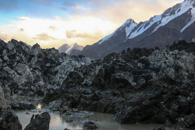 Устье ледника Ошанина