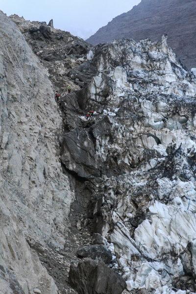 Вдоль ледника Ошанина
