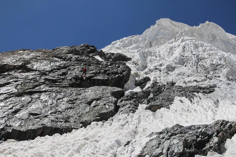 Спуск на приток ледника Девлохан