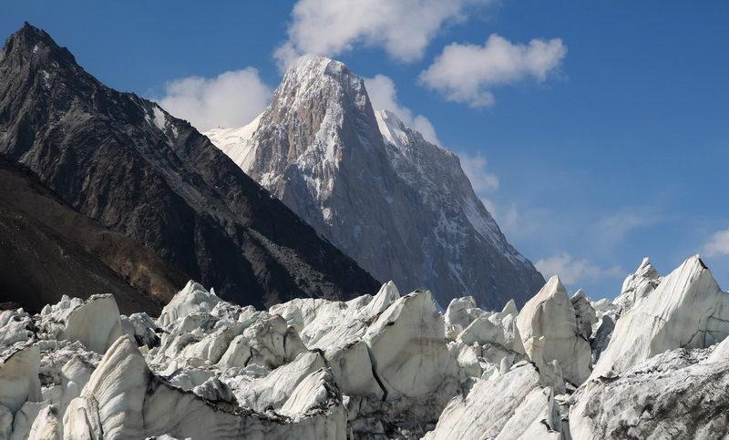 пик ОГПУ с ледника Бивачный