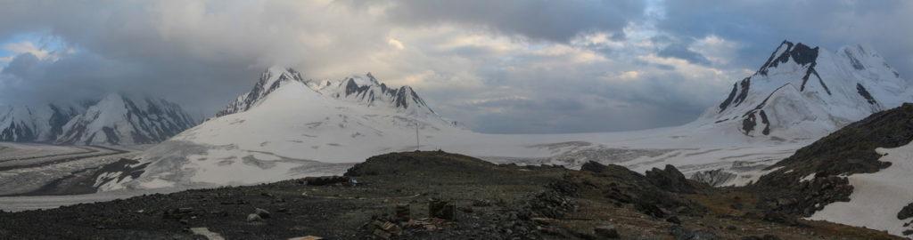 Вид на юг от ГМС Федченко им. Горбунова