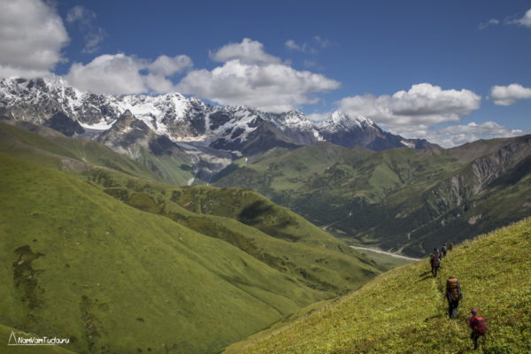 Спуск с перевала Лагем