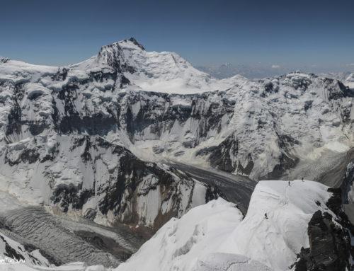 Фотографии пика Сомони (Куммунизма) (7495 м) из разных походов и путешествий