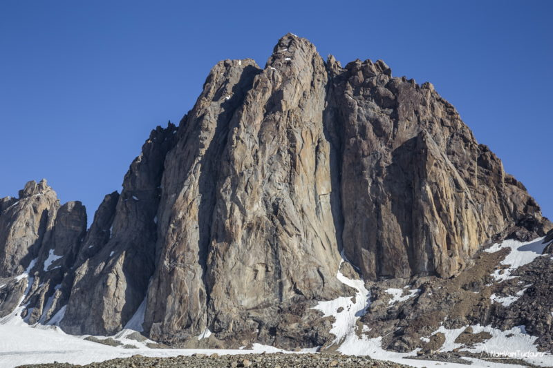 вершина Диоскуры с юга