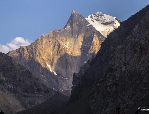 Вершины и стены Туркестанского хребта